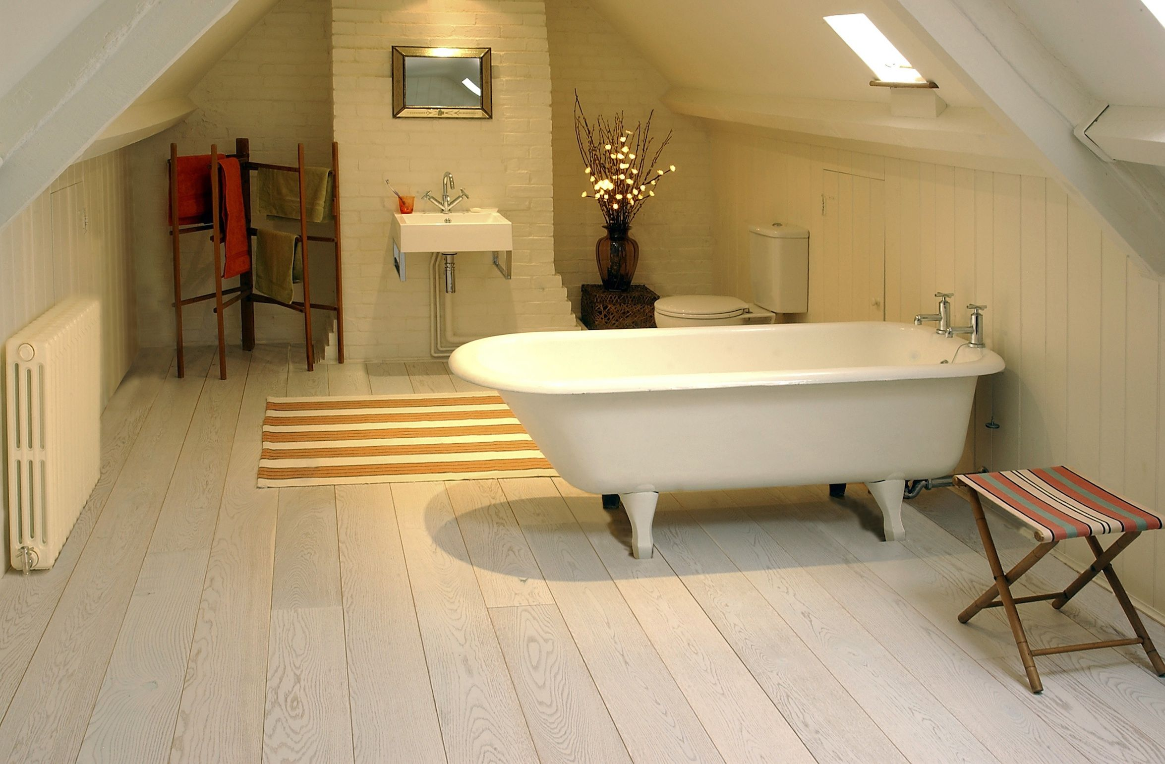 Bathroom with White-washed Oak pre-lacquered Code: OLWF/180 Oak ...
