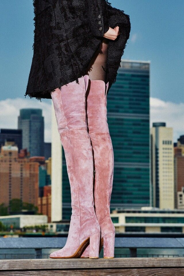 Looks like the view of the East Side of Manhattan from LIC. Pretty boots  too! 65a706b25090