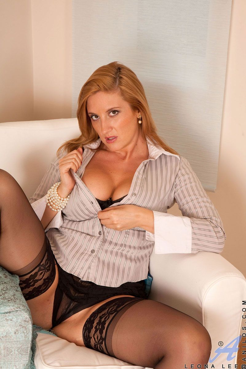 Busty leona lee in sexy black stockings
