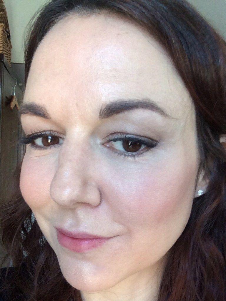 under-eye-makeup-prevent-creases-wrinkles-after #UnderEyesBrightener