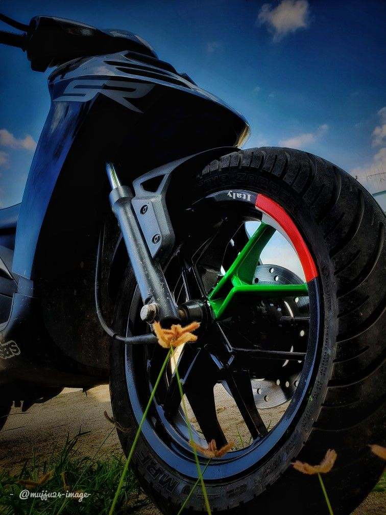 Aprilia Sr150 Modified Aprilia Aprilia Motorcycles Royal Enfield