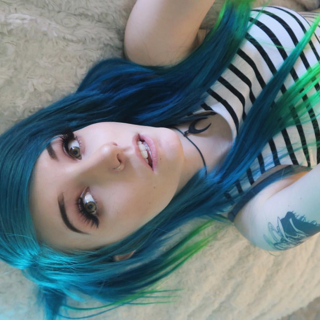 Pin by crystal irvine on chloe hairs pinterest emo and emo scene