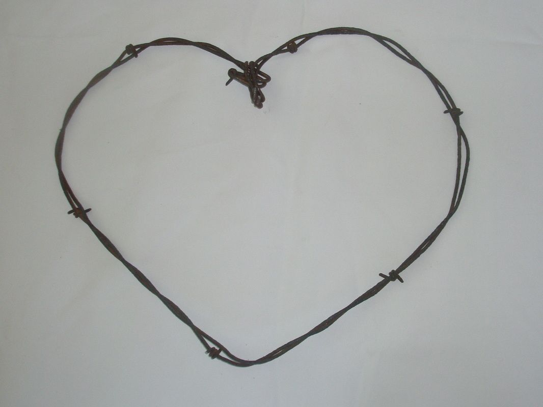 Barbwire Heart - Mountain Spirit Designs | Barbed Wire Crafts ...