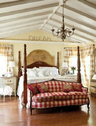 Country French bedroom Toujours Moi, Country French Red