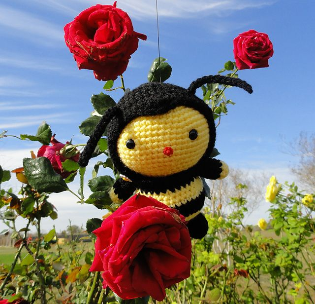 sac00003's #Crochet Bee on Ravelry Pattern can be found at luvlygurumi's etsy shop