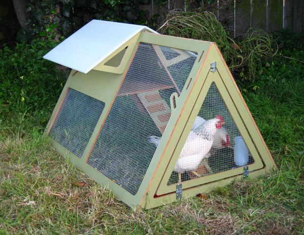 Movable chicken coops portable chicken coop kits urban for Portable hen house