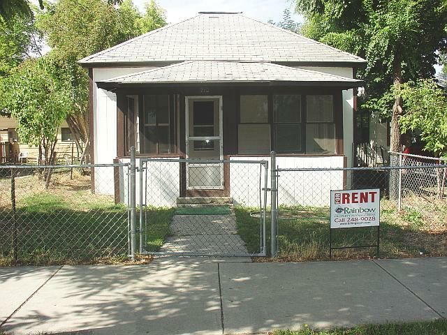 Billings Montana House For Rent At 220 South 28th St Billings Mt 59101 Renting A House Two Bedroom House Rent