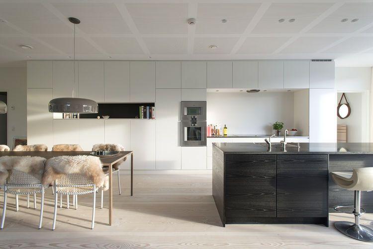 Interior Design Kitchens Glamorous Minimalist Kitchen Builtin Kitchen Cabinets And A Monolithic Decorating Design