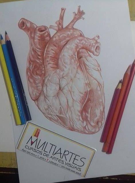 coração lápis de cor sobre papel canson a4