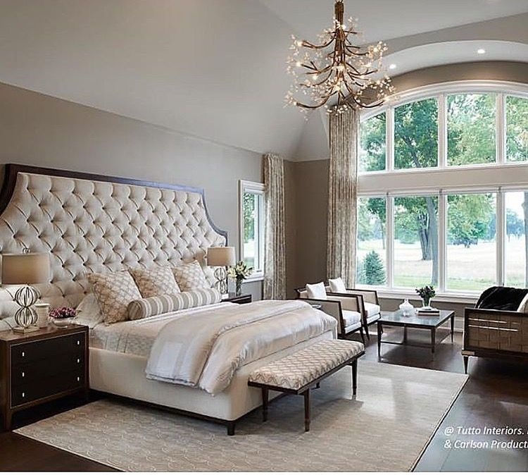 Love the bed and the window chambreschambre neutrechambre sereinebelles