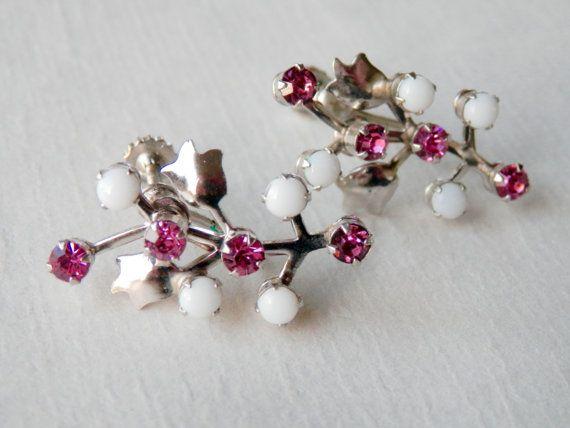 Vintage Tulip Earrings Screwbacks Pink Stones White Plastic Stones Costume Retro Earrings  Interesting silver tone retro screwback earrings. The
