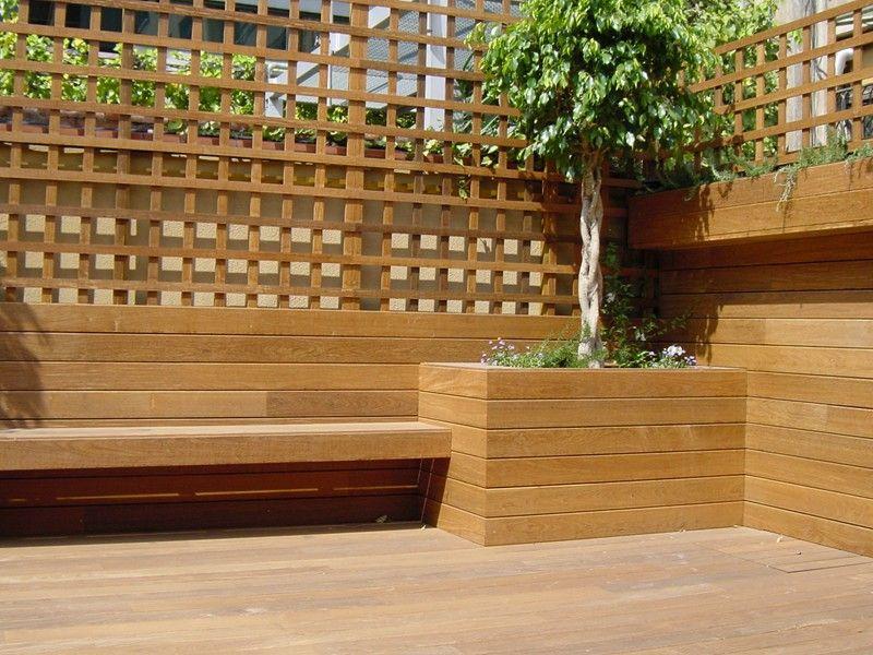 Terraza valla y celos a vivienda particular park house for Celosia madera jardin