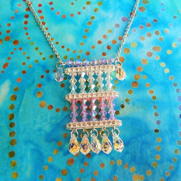 c5c3dacf16 Nyári hangulatú nyaklánc Swarovski kúpos gyöngyökből - Art-Export webáruház