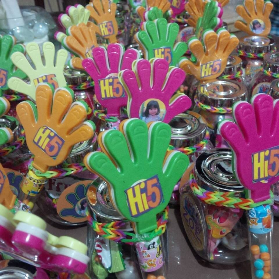 Hi 5 Souvenirs Give Aways 20th Birthday 5th Party Ideas