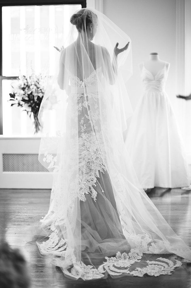 Modern Trousseau | Bit of Ivory Photography | see more on: http://burnettsboards.com/2014/10/scenes-bridal-market/