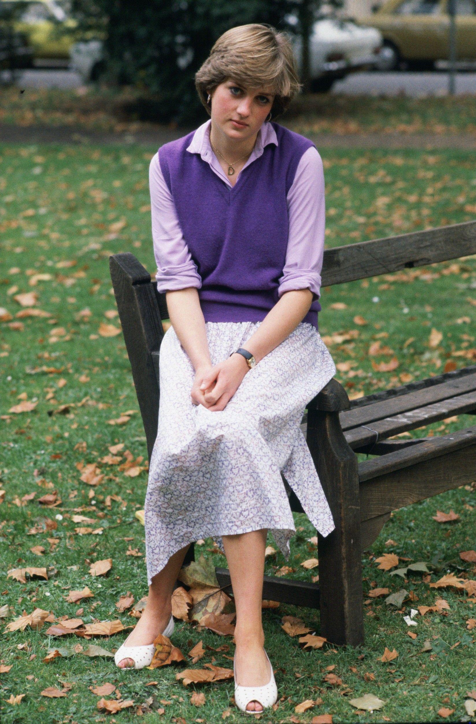 Princess Diana As A 19 Year Old Kindergarten Teacher In 1980 Princesa Diana Princesa Diana De Gales Lady Diana