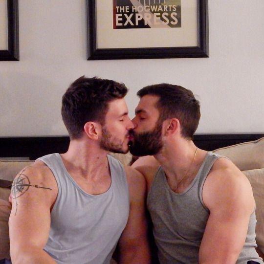 Gay kissing shorties