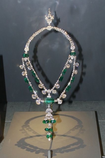 "Spanish Inquisition Necklace. The necklace was purchased by the Maharaja of Idore in the early twentieth century. In 1948, Harry Winston purchased the necklace from the Maharaja's son. The necklace then became part of Winston's ""Court of Jewels"" traveling exhibition. Cora Hubbard Williams of Pittsburgh, Pennsylvania bought the necklace from Winston in 1955 and donated it to the Smithsonian Institution in 1972."