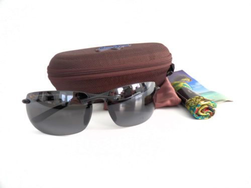 c8eb3743a7d awesome NEW Maui Jim Banyans Sunglasses - 412 02 Black 70 - NIP - in Case