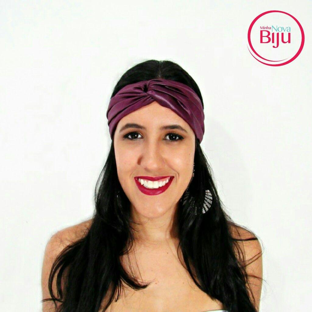 Para as mulheres cheias de personalidade o que  acharam  desse  turbante acetinado chiquérrimo! Poderoso  né  não? Perfeito para  aquela  segunda cheia de  preguiça! 🛍💡 www.minhanovabiju.com.br  #minhanovabiju #acessoriosfemininos #acessorios #turbante  #turbantesoft  #turbanteacetinado #design #exclusividade #lojaonline #modafemininabr #modacasual #style #style