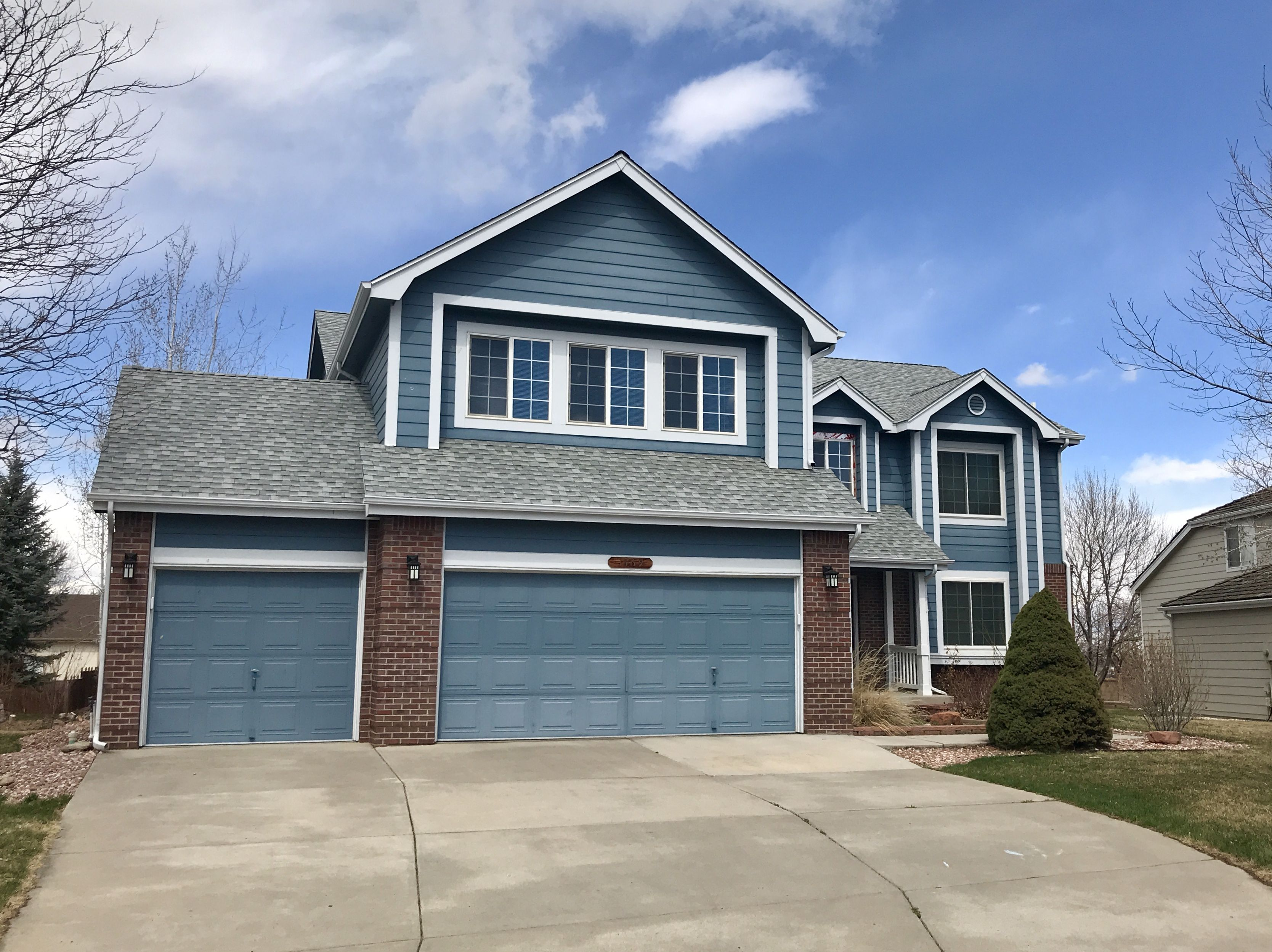 We Re Roofed This House In Loveland Using Gaf Timberline Hd Shingles In The Color Birchwood Architectural Shingles Residential Roofing Gaf Timberline Shingles