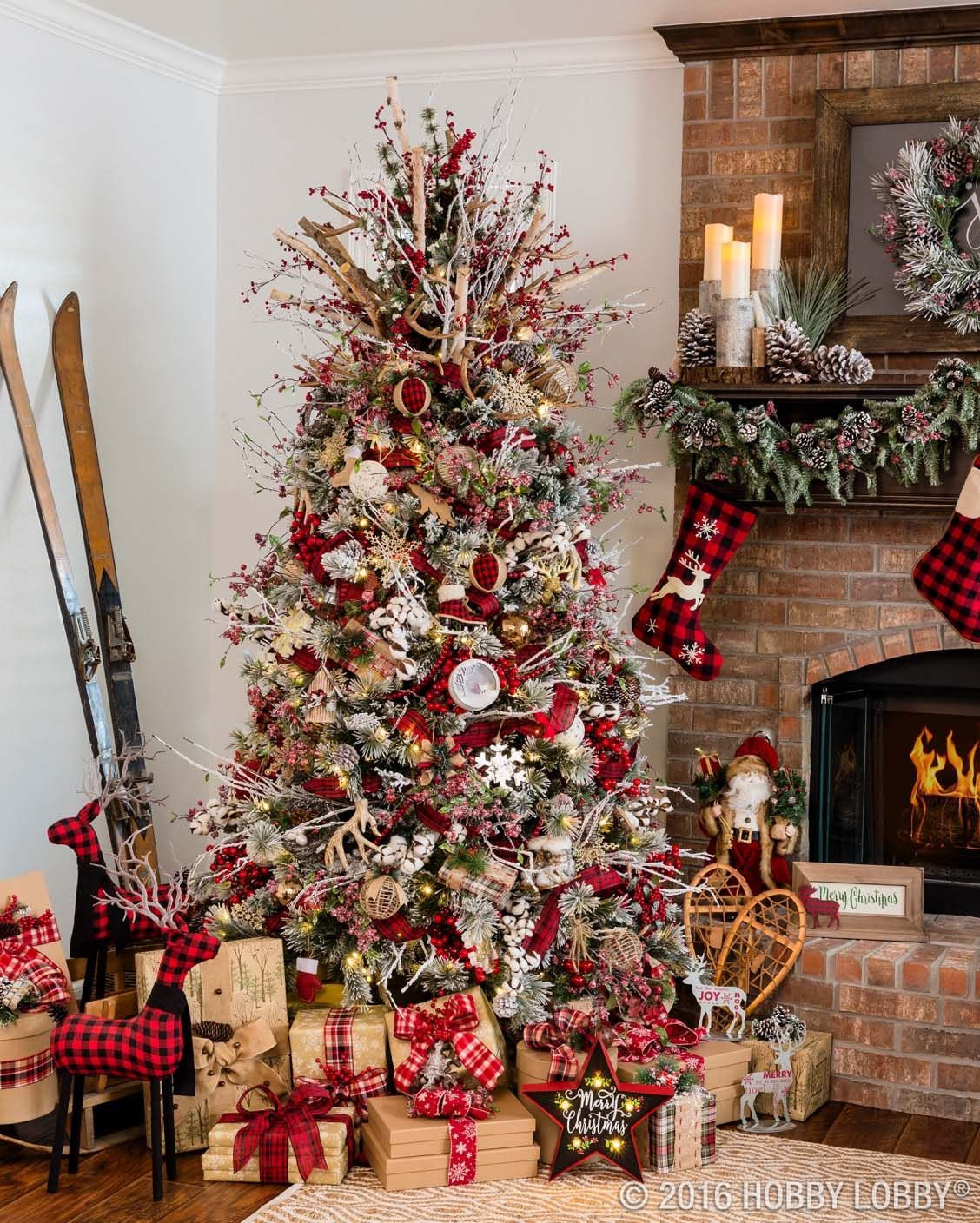 30 Most amazing Christmas decorated trees for some