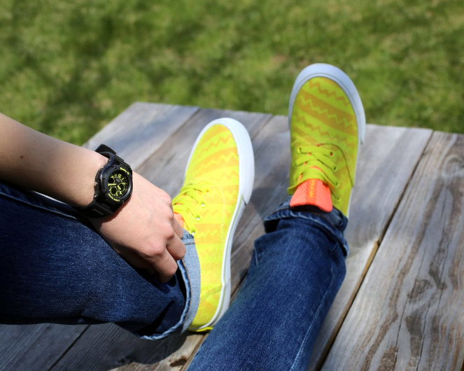 WOW! This neon look is perfect! #suprasneakers #shoes #watches #babyg