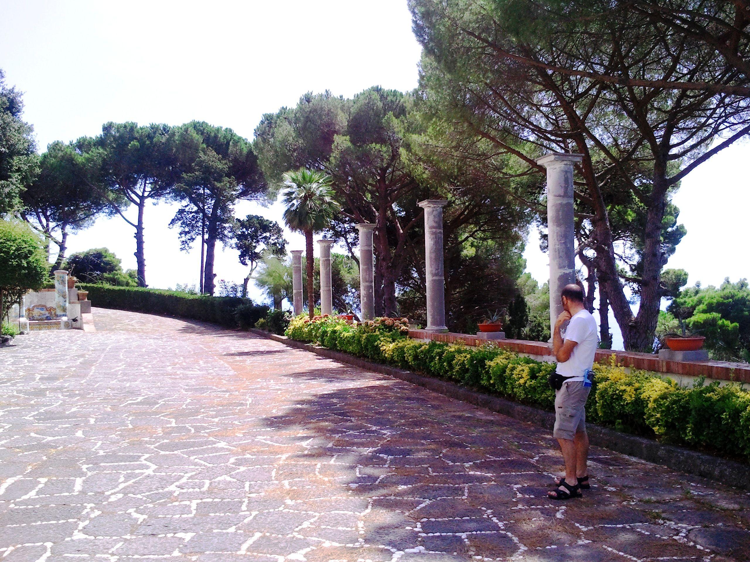 Terrazza sul mare di villa guariglia vietri italia - Terrazzi sul mare ...