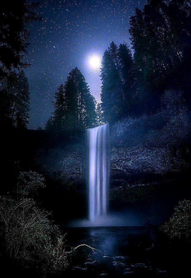 Pin By Alethea Courtenay On Around The World Waterfall Landscape Night Sky Photography Waterfall Photography
