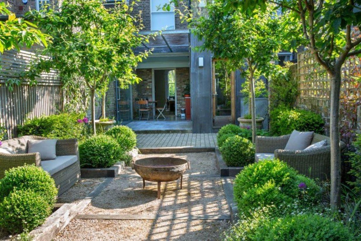 Modern french country garden decor ideas 20   Courtyard gardens ...