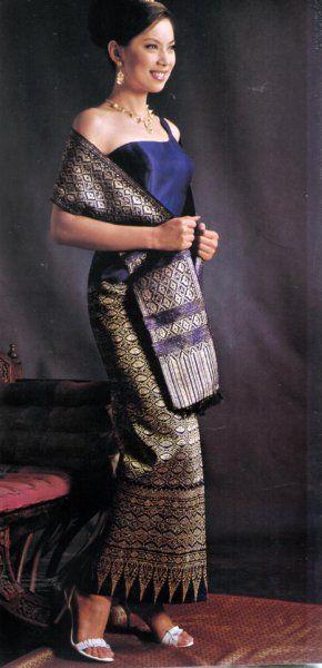 Thai Style Wedding Dress Make of Silk From Northeast Thailand ...