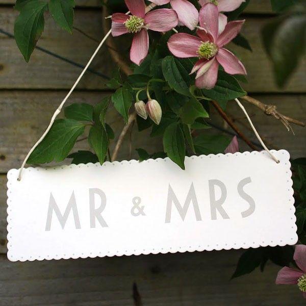 Ivory Mr & Mrs sign £2.45