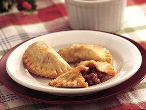 An easy recipe for making empanadas you can stuff with any meat food an easy recipe forumfinder Image collections