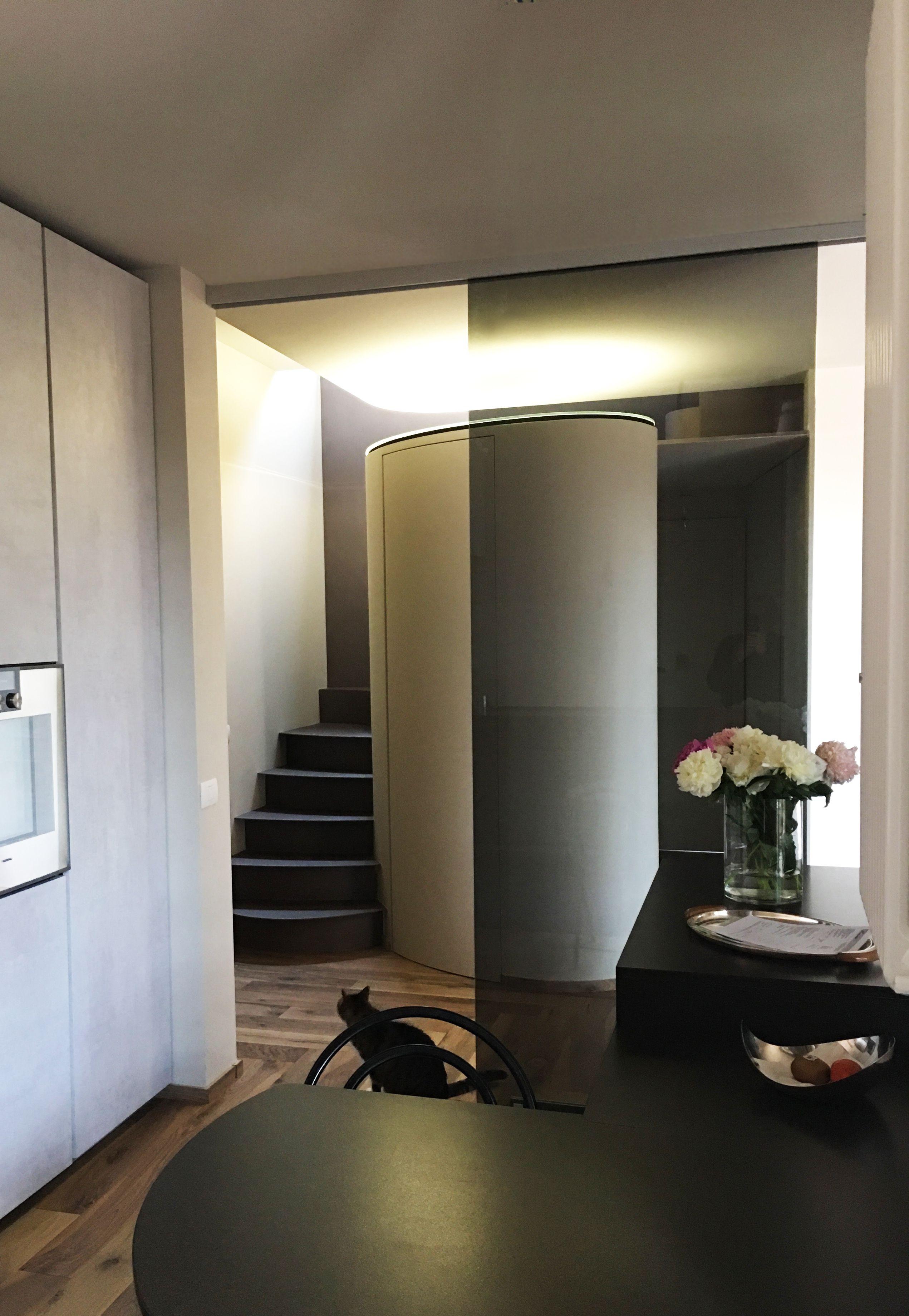 Home BiaMac - Vista dell\' ingresso cucina con lo scorrevole in ...