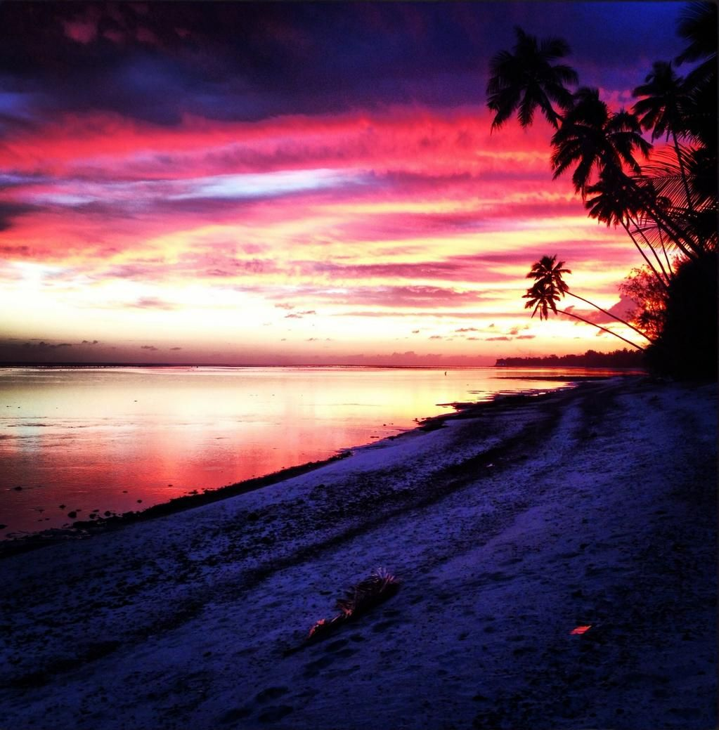 Beautiful Pink Sunset On Muri Beach Rarotonga Cook
