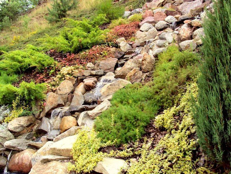 Gartengestaltung in Hanglage \u2013 30 Tipps und Ideen für Begrünung