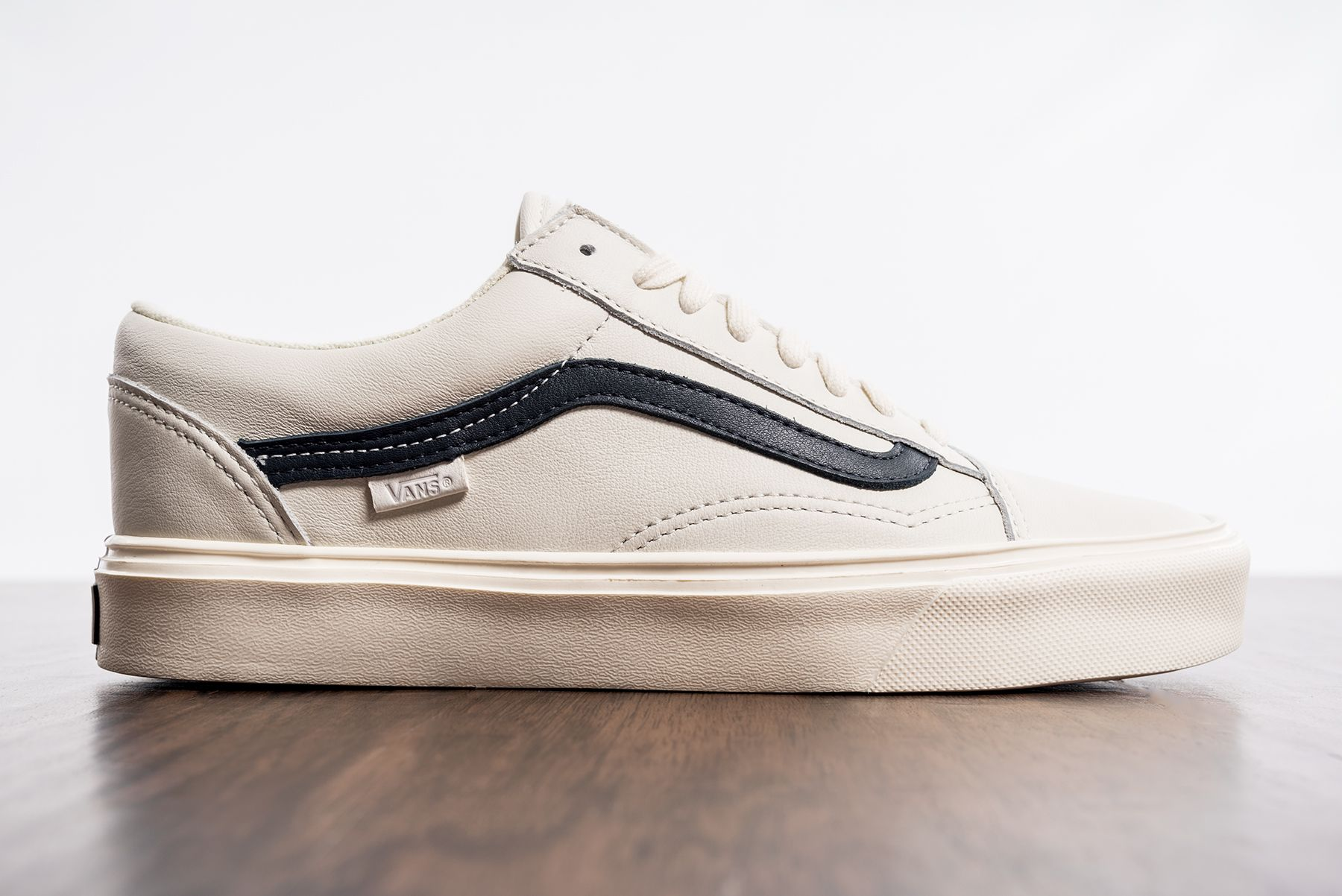 882e4251f099 Vans Vault Old Skool Lite LX in Marshmallow