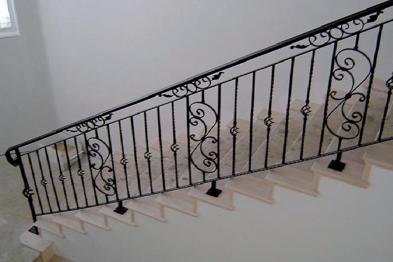 Resultado de imagem para imagens de serralheiros Escada,-Grades,