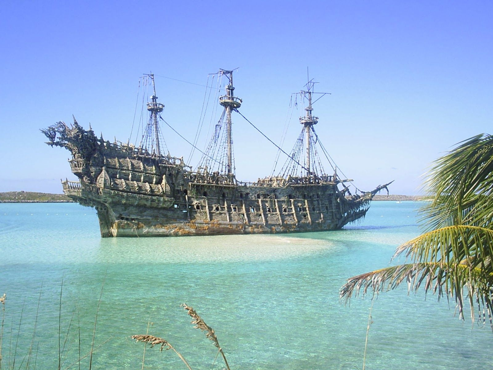 captain in ghost ship pirates of the caribbean - Google ...