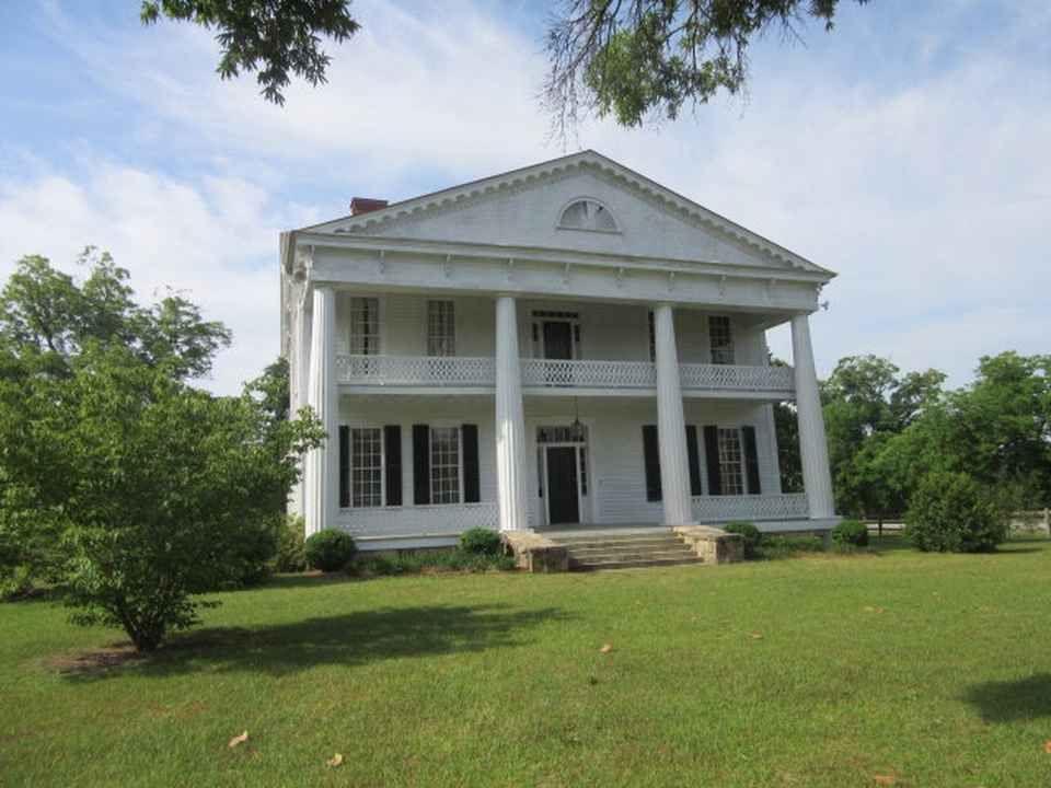C 1860 Greek Revival Thomson Ga 325 000 Old House Dreams Old Houses For Sale Greek Revival Home Old Houses