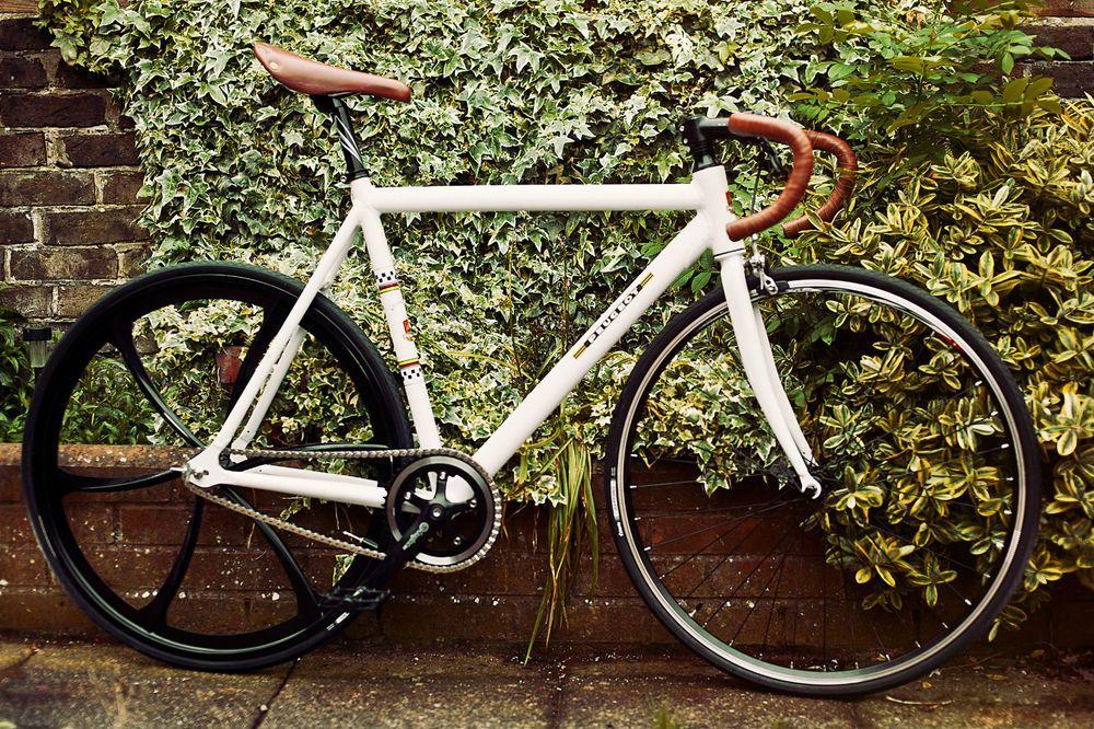 for sale white peugeot fixie singlespeed bike bicycle 700c wheels aerospoke lightburn. Black Bedroom Furniture Sets. Home Design Ideas
