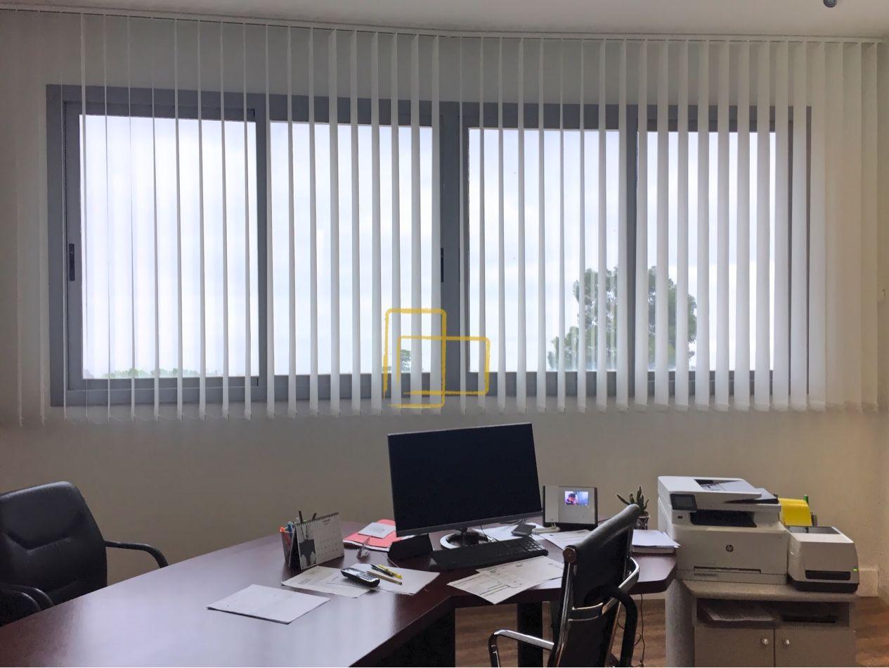 Oficinas con cortinas verticales. #solart #cortinas #verticales ...