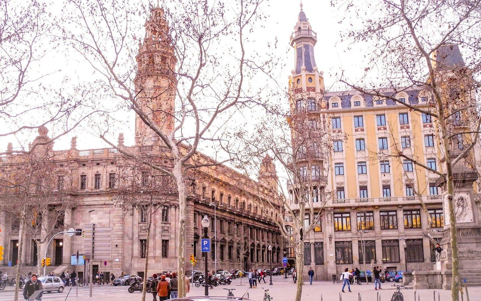 Prekrasnye Vesennie Ulicy Barselony Beautiful Spring Streets Of Barcelona Barcelona Architecture Arhitektura Ulica Ulica Barselona Puteshestviya