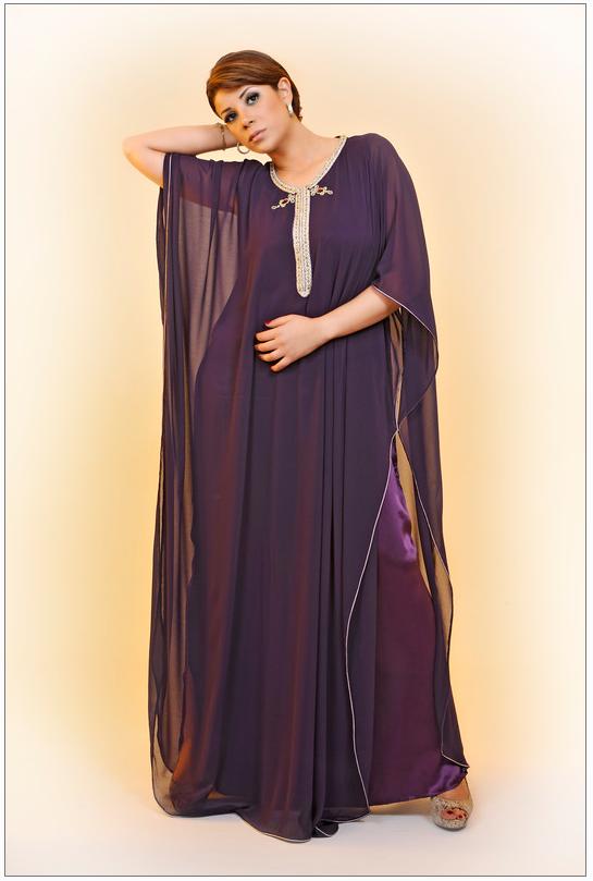 Abaya marocaine et gandoura femmes - caftan catalogue   Abaya in ... 50bfd799ad