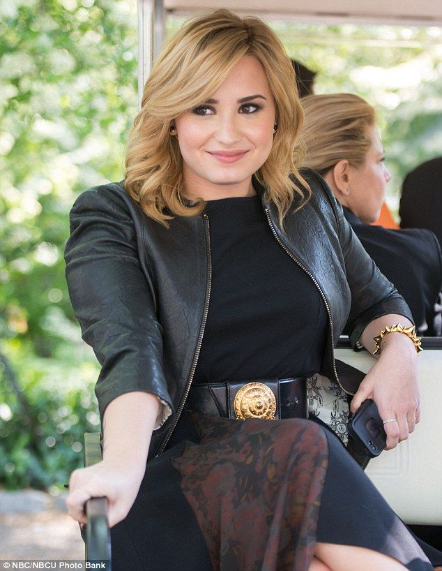 The 25 Best Demi Lovato Blonde Hair Ideas On Pinterest