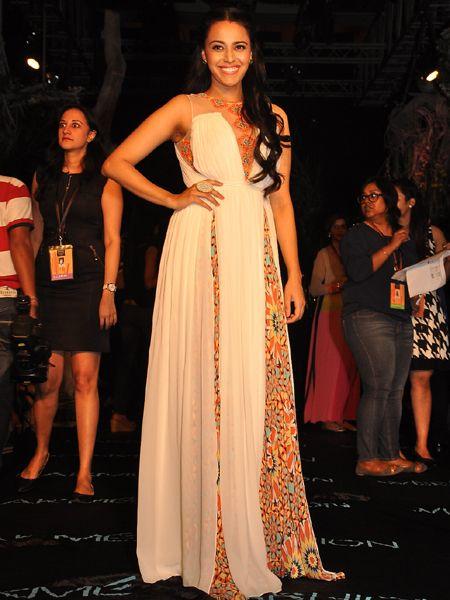 LFW Summer Resort 2014: Celebrities Glam Up at Manish