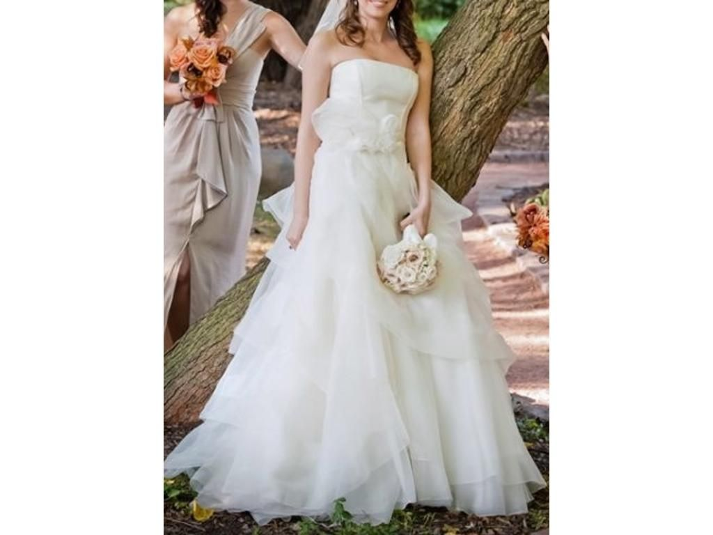 2nd hand wedding dresses  Vera Wang  Size   Wedding Dresses  Used Wedding Dresses
