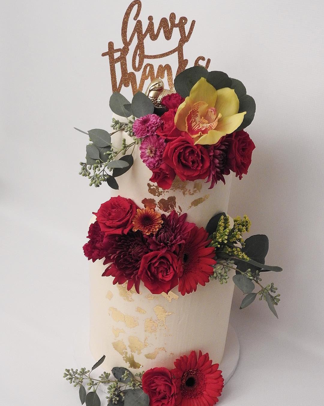 Another shot of this TALL beauty. Cake for breakfast? #thankful #thanksgiving #floralcake #cakeporm #bakeninja #buttercream #cakelife #homebaker #gold #wedding #weddingcake #cake #caketopper #yum #hellogorgeous #minnstagrammers
