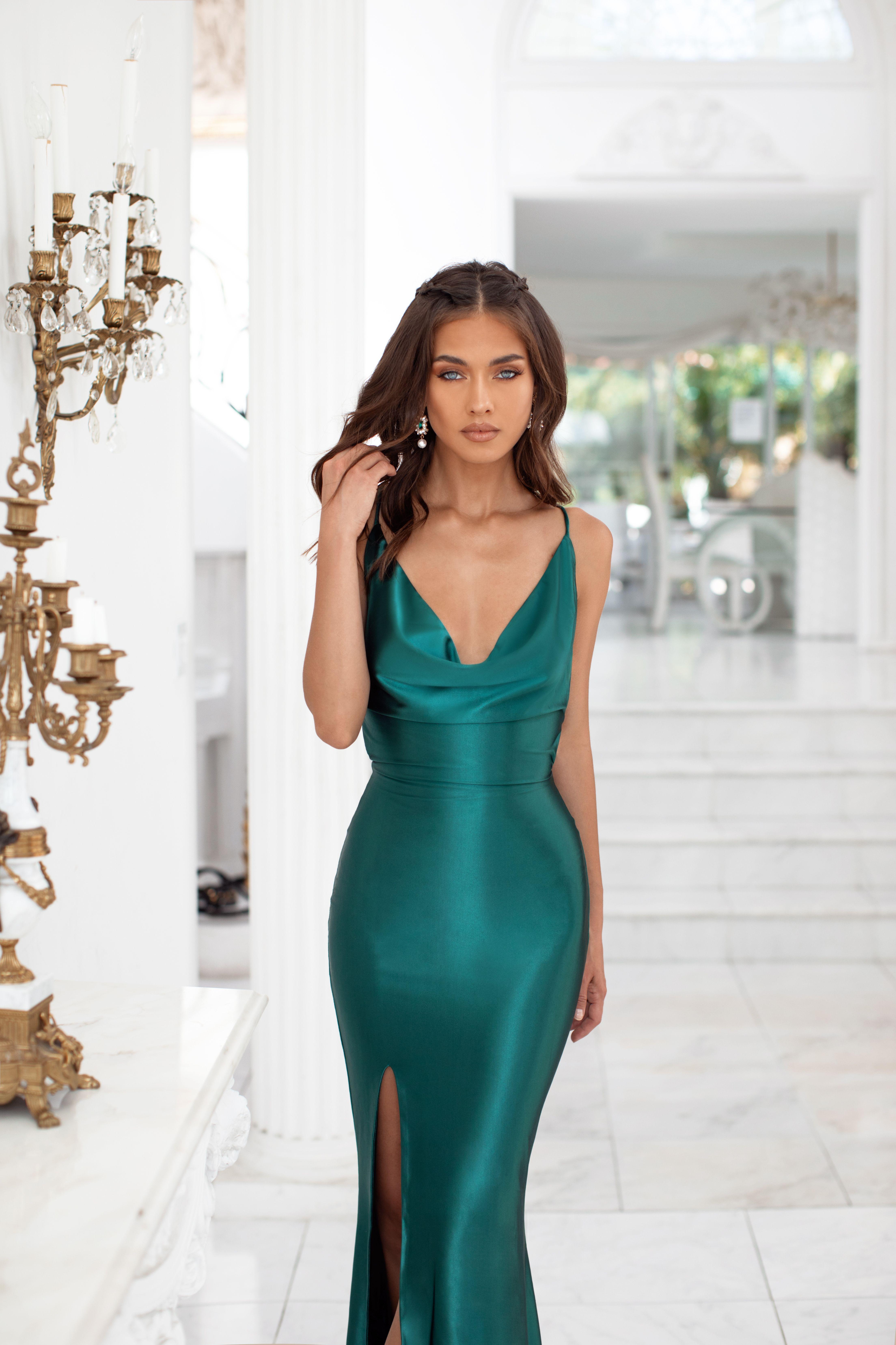 Desirae Emerald In 2020 Green Formal Dresses Emerald Green Formal Dress Green Ball Dresses