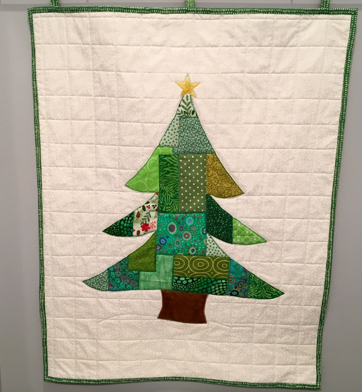 Christmas Tree quilt hanging. Finished 12/6/2017.   My quilts ...